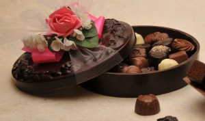 Edible Chocolate Round Floral Box